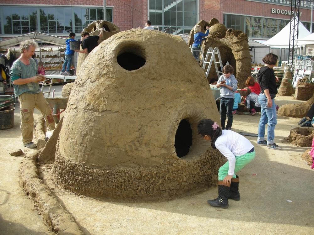 Matschen und bauen mit Lehm | Georg-Kerschensteiner-Grundschule